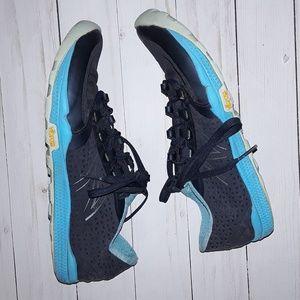 8 New Balance Minimus 10V4 Hiking Shoes